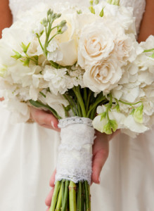 Southern-weddings-lace-wrap-bouquet[1]